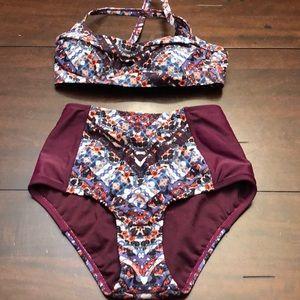 Athleta bikini set.  Top 32b/c bottom xs